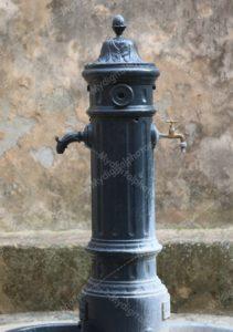 Fontana,vechio e moderno