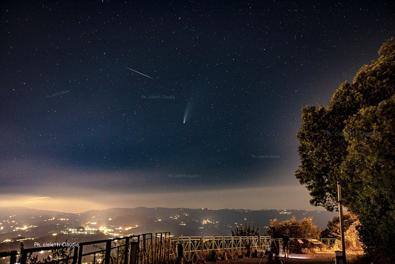 """La Cometa """"Neowise"""" C/2020 F3 e L'Asteroide"""