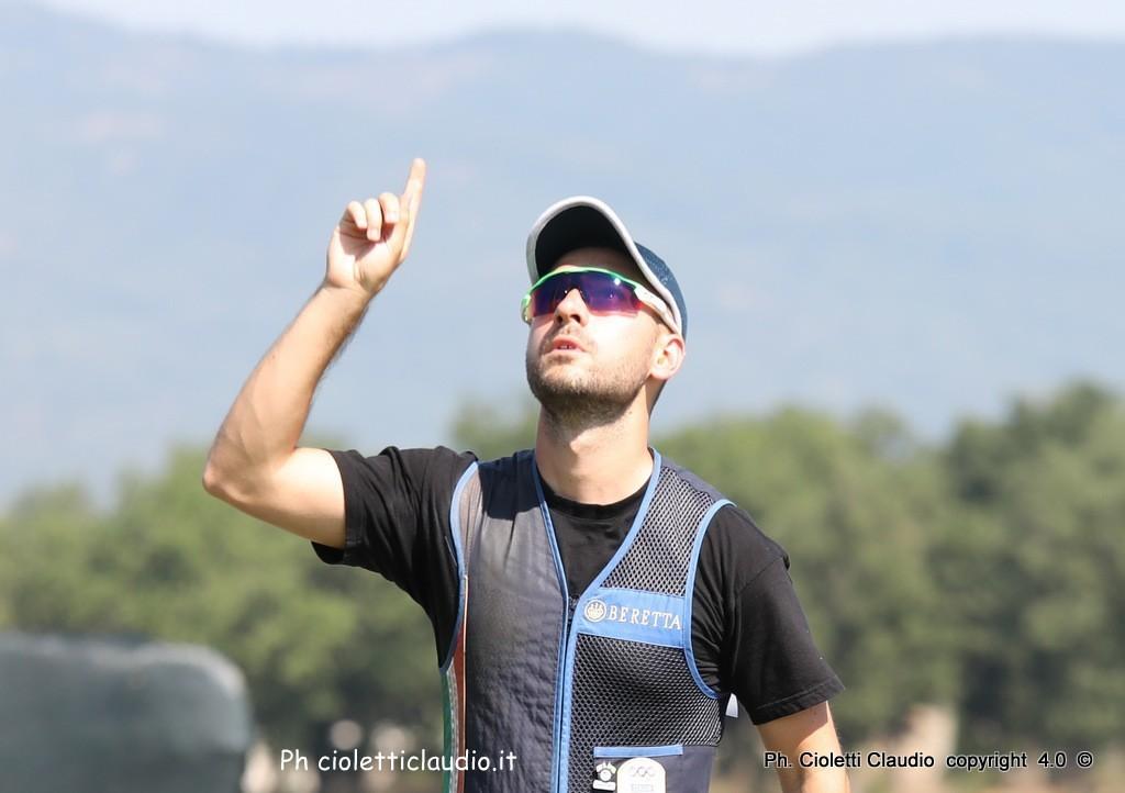 GABRIELE ROSSETTI CAMPIONE ITALIANO TIRO A VOLO SKEET,DEDICA LA VITTORIA AL PADRE.